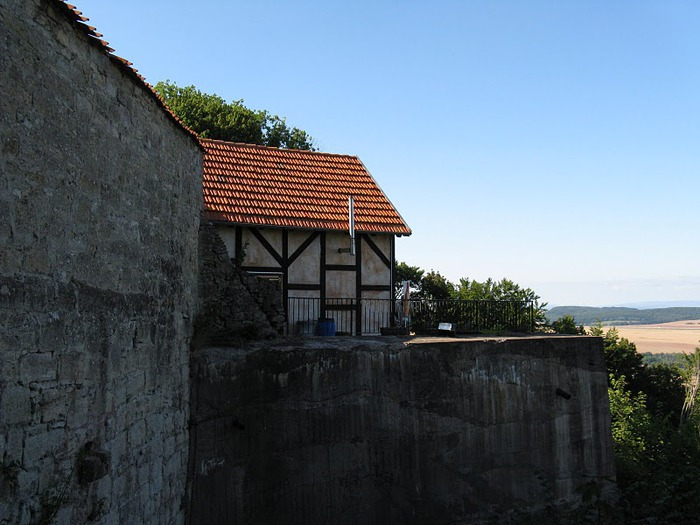 Крепость Шарфенштайн (нем. Burg Scharfenstein) 95225