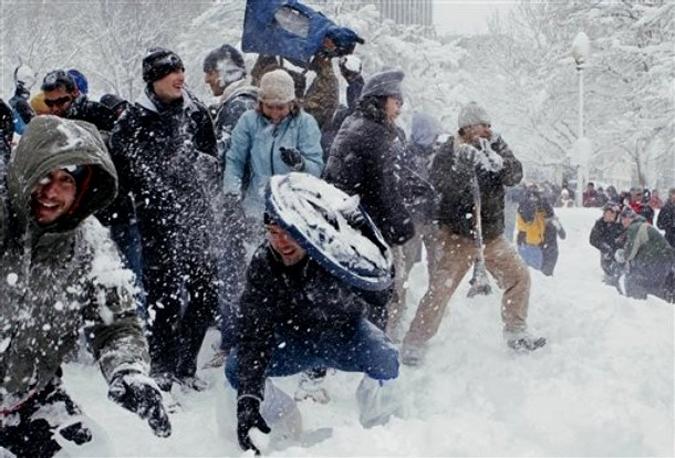 Снежный флэшмоб в Dupont Circle в Вашингтоне, 6 февраля 2010 года.