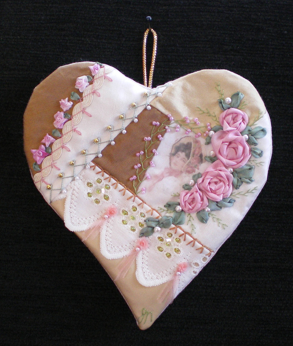 sewing and bead: make hearts for gifts
