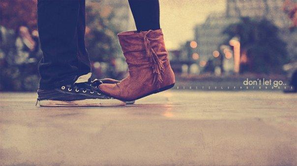 Парень с девушкой целуются зимой картинки