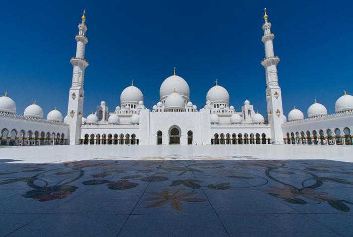 Мечеть шейха Зайеда в Абу-Даби. Арабская сказка наяву