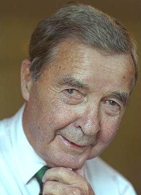 Скончался британский писатель Дик Френсис (Dick Francis)