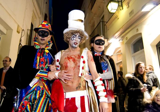 Завершился карнавал в Ситжес (Sitges), Испания, 21 февраля 2010 года.