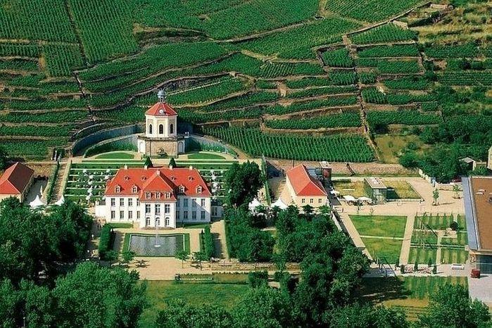 Замок Вакербарт (нем. Schloss Wackerbarth) 74537