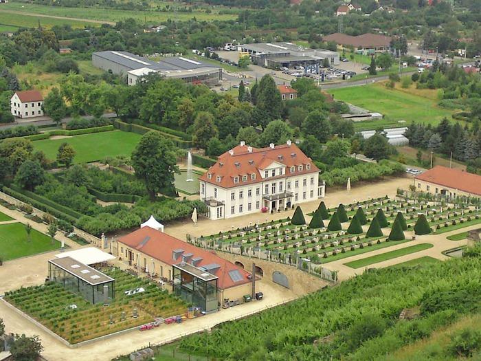 Замок Вакербарт (нем. Schloss Wackerbarth) 45541