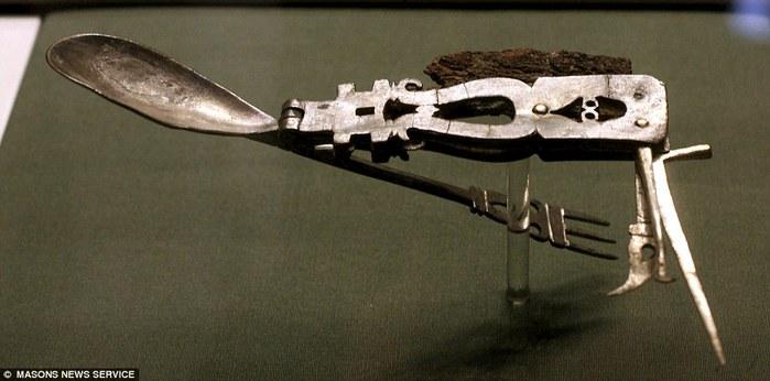раскладной нож солдата римской армии ложка вилка в комплекте