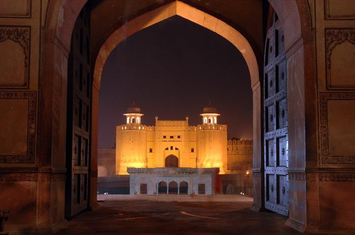 Мечеть Бадшахи (Badshahi Mosque) Лахор, Пакистан 87458