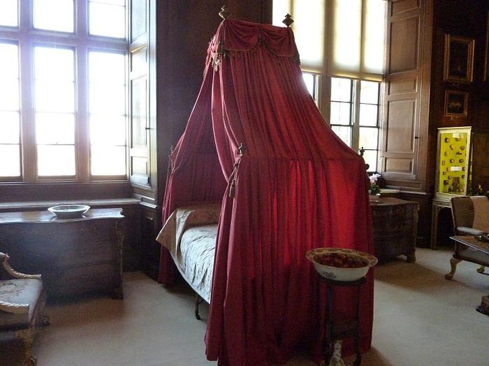 Бёргли-хаус (Burghley House) 13792