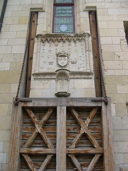 Замок Шомон 70125