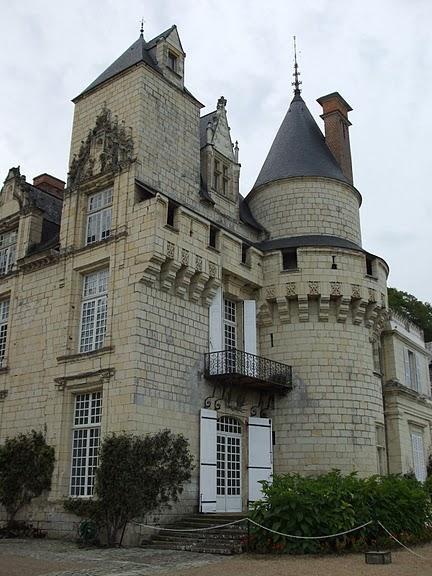 Замок Юссе - «замок спящей красавицы» 98089