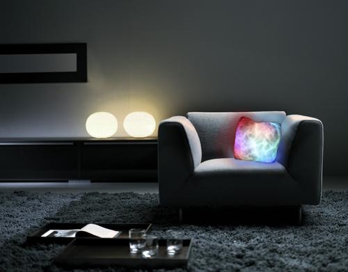 Интерьер спальни фото - cветящаяся плюшевая подушка