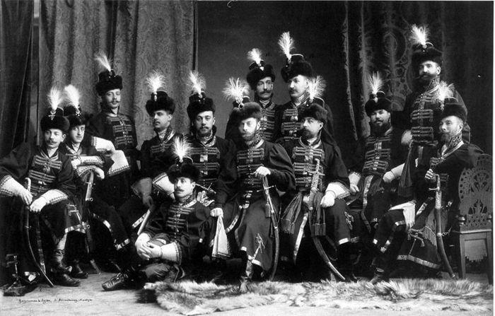 56068808 800px1903 ball  03 group Царь Николай II возрождал Россию. Собрание редких фотографий