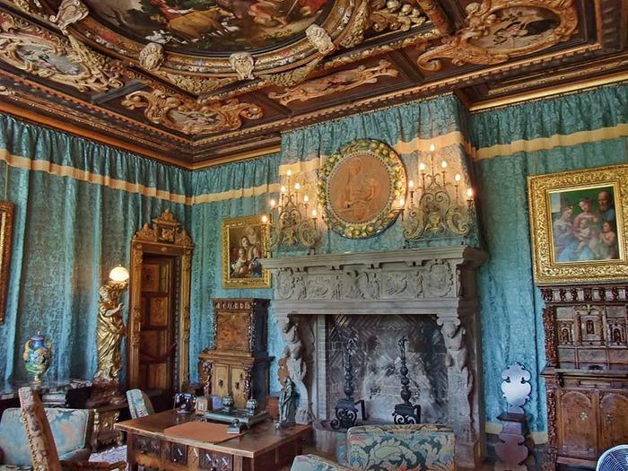 Hearst Castle - дворец на вершине горы над океаном 32978