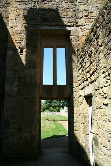 Замок Белси (Belsay Castle) 51210