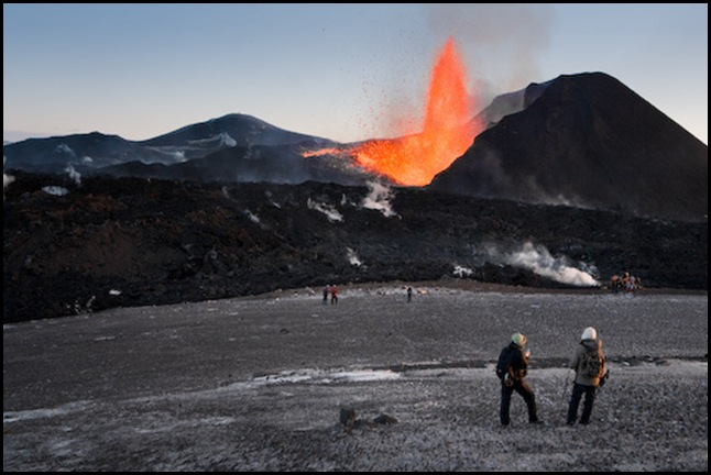Извержение вулкана Эйяфьядлайекюдль в Исландии