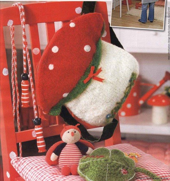 вязаный рюкзак - гриб для девочки