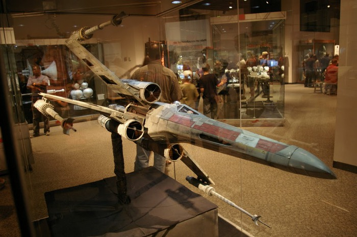 Выставка реквизита Star Wars-Science Museum of Minnesota - Star Wars Where Science Meets Imagination 17421