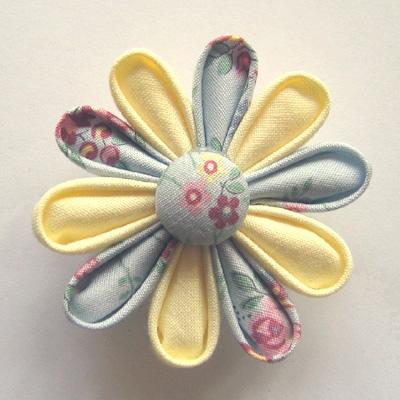 Как сшить цветок из ткани-канзаши. Фото мастер-класс.