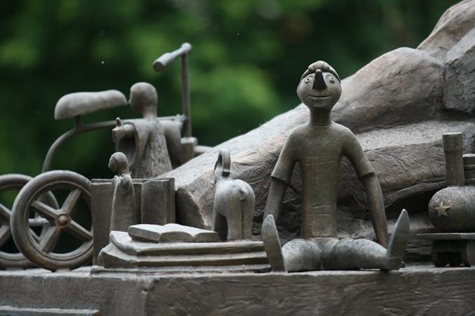 Памятники в москве для детей онлайн изготовление памятников чита