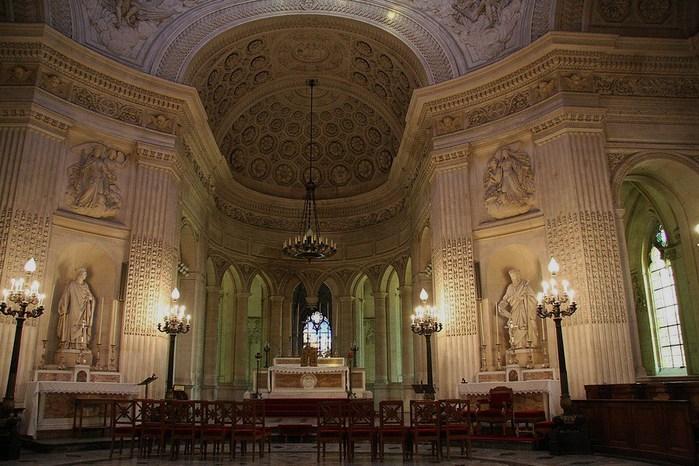 La chapelle royale de Dreux-Королевская капелла в Дрё 72080