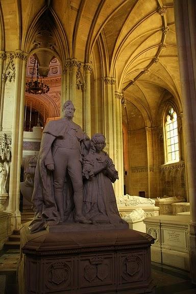 La chapelle royale de Dreux-Королевская капелла в Дрё 57904