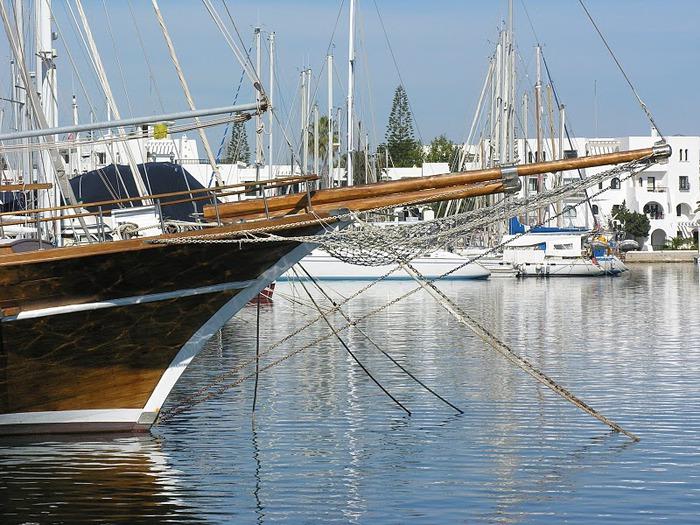 Порт Эль Кантауи 45800
