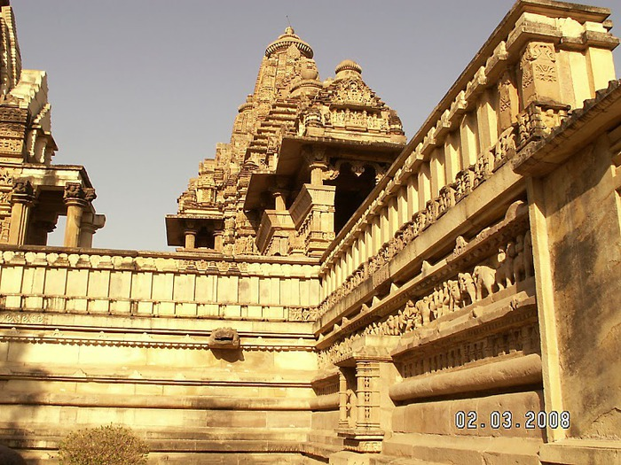 ИНДИЯ: Храмы Кхаджурахо (The Temples of Khajuraho) 99796