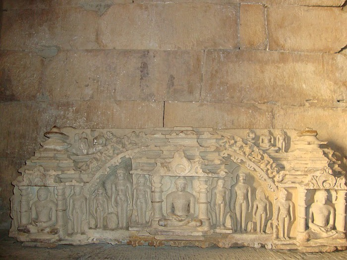ИНДИЯ: Храмы Кхаджурахо (The Temples of Khajuraho) 23099