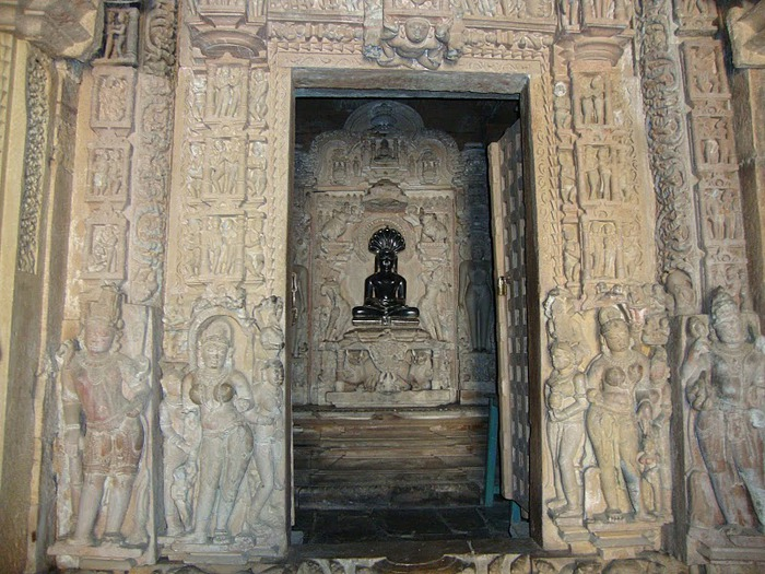ИНДИЯ: Храмы Кхаджурахо (The Temples of Khajuraho) 87204