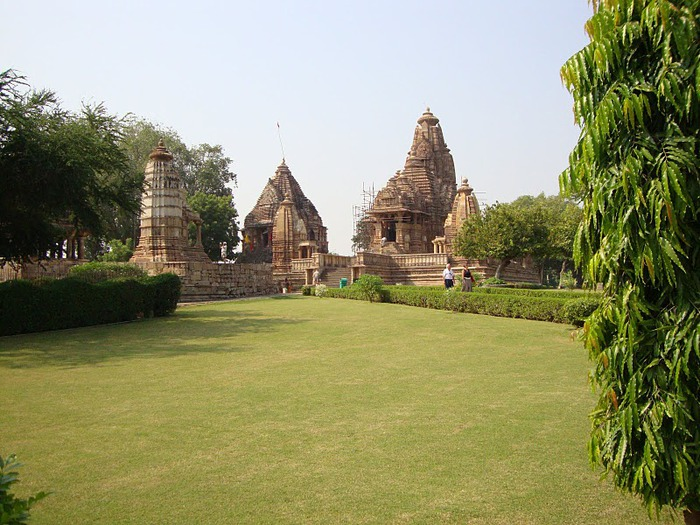 ИНДИЯ: Храмы Кхаджурахо (The Temples of Khajuraho) 70450