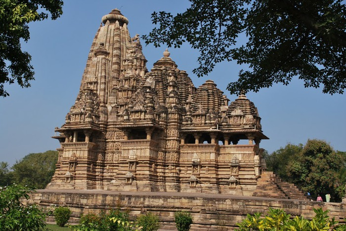 ИНДИЯ: Храмы Кхаджурахо (The Temples of Khajuraho) 35038