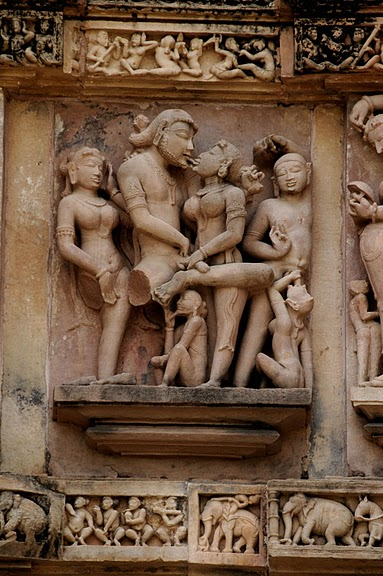 ИНДИЯ: Храмы Кхаджурахо (The Temples of Khajuraho) 22926