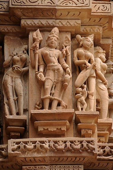 ИНДИЯ: Храмы Кхаджурахо (The Temples of Khajuraho) 90804