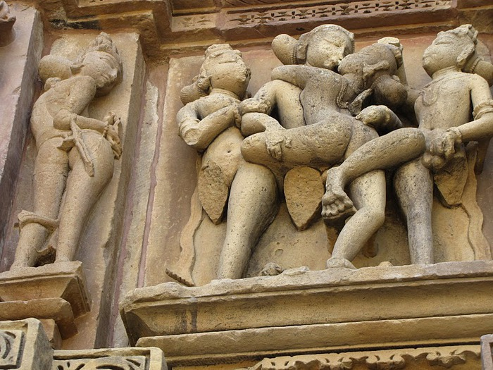 ИНДИЯ: Храмы Кхаджурахо (The Temples of Khajuraho) 50318