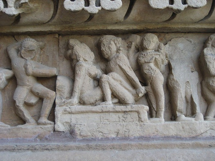 ИНДИЯ: Храмы Кхаджурахо (The Temples of Khajuraho) 75912