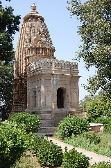 ИНДИЯ: Храмы Кхаджурахо (The Temples of Khajuraho) 99089