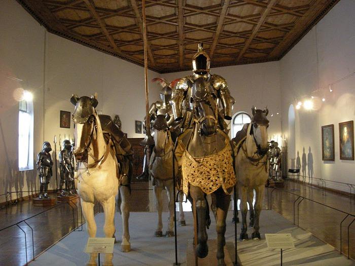 дворец Амбрас (Castle Ambras) 64781