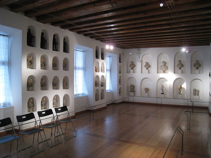 дворец Амбрас (Castle Ambras) 81451