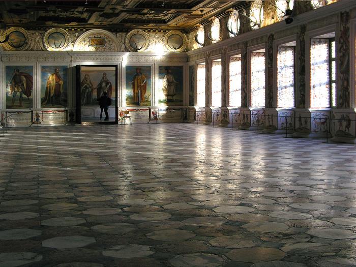 дворец Амбрас (Castle Ambras) 85571
