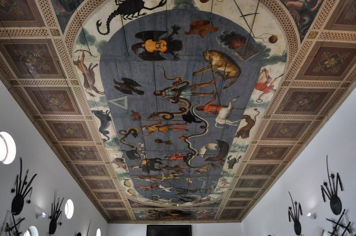 дворец Амбрас (Castle Ambras) 34500