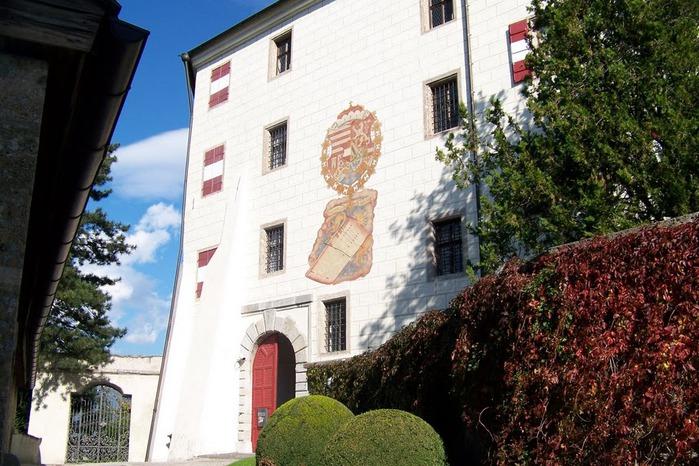 дворец Амбрас (Castle Ambras) 14821