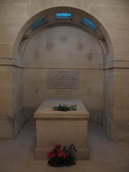La chapelle royale de Dreux-Королевская капелла в Дрё 82650