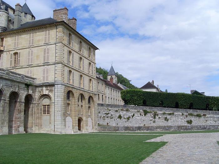 Замок Ла Рош-Гюйон (La Roche-Guyon) 51156