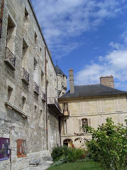 Замок Ла Рош-Гюйон (La Roche-Guyon) 78322
