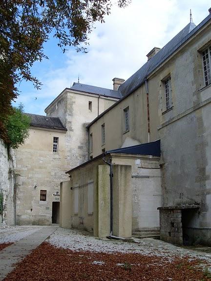 Замок Ла Рош-Гюйон (La Roche-Guyon) 85757
