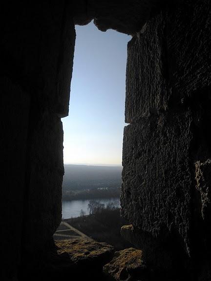 Замок Ла Рош-Гюйон (La Roche-Guyon) 94420