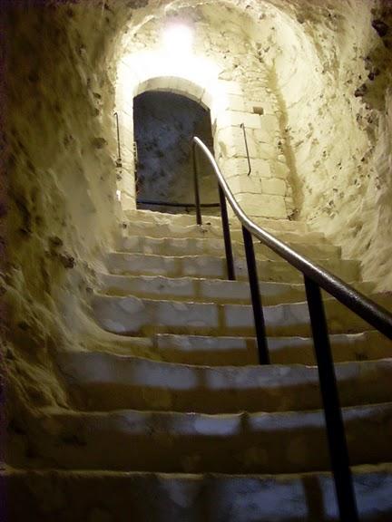Замок Ла Рош-Гюйон (La Roche-Guyon) 63422