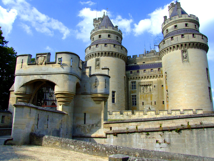 Замок Пьерфон ( фр. Chateau de Pierrefonds ) 76143