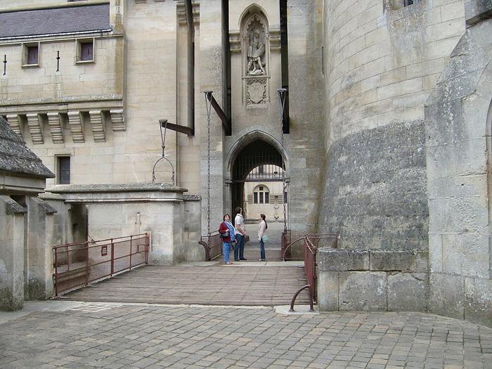 Замок Пьерфон ( фр. Chateau de Pierrefonds ) 60101