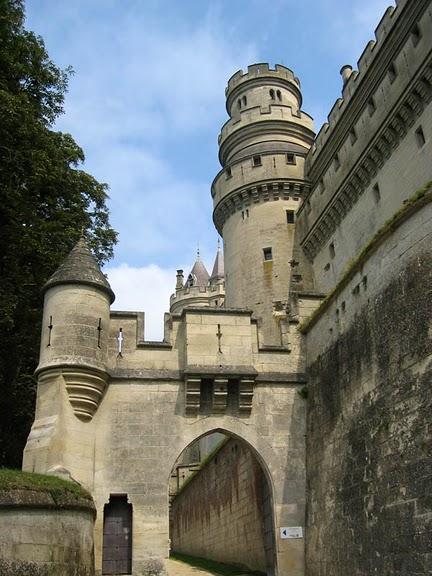 Замок Пьерфон ( фр. Chateau de Pierrefonds ) 97573